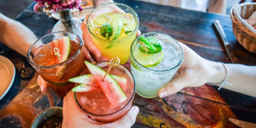 Prosty-sposob-na-idealnego-drinka-–-przeglad-podstawowych-akcesoriow-barmanskich